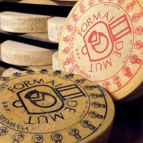 In the Brembana Valley, there is also a production of goat cheeses, which have their own niche market. Among these, Formai del Mut is one of the first to be recognised as a DOP (denomination of protected origin) product. Today, it is protected by the Consortium of producers of Formai de Mut of the Northern Brembana Valley.