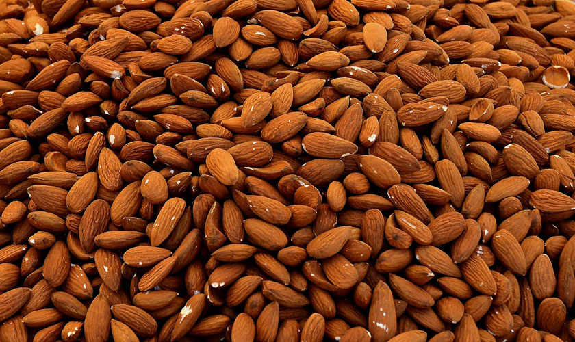Noto almonds are the core ingredient of Sicilian haute pâtisserie, grown in the Noto Valley exclusively and characterised by a sweet flavour and intense fragrance, deemed Slow Food presidium.